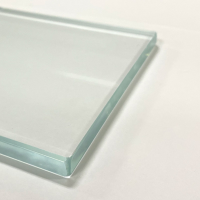 Example of a Low Iron Clear Glass Table Top
