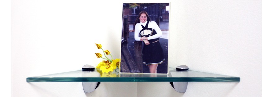 "8"" Triangle Robin Glass Shelf"